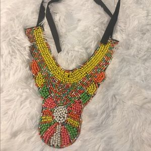 Jewelry - Gorgeous statement necklace 🌺✨🌺